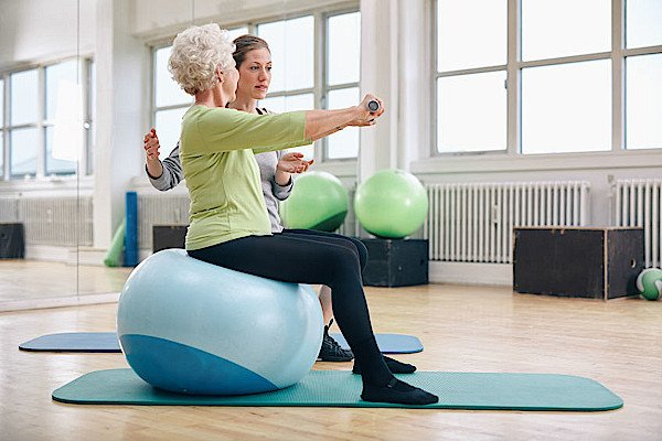 Mature Adults Tech Training - Time for a Personal TECH TRAINER